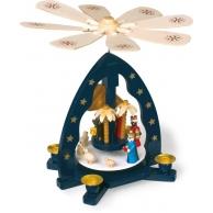 Pyramide de Noël avec crèche